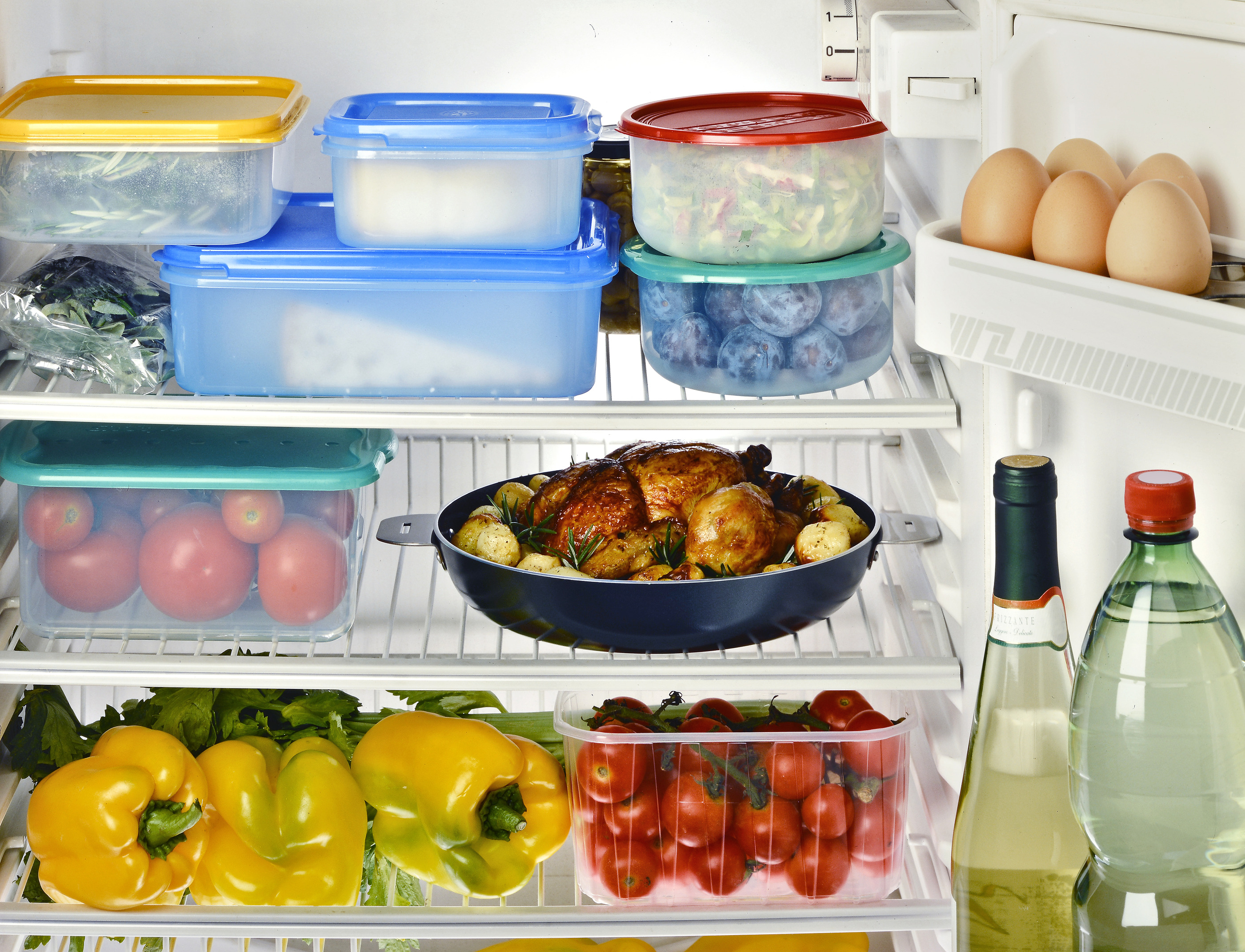 photodune-12637908-inside-refrigerator-l.jpg